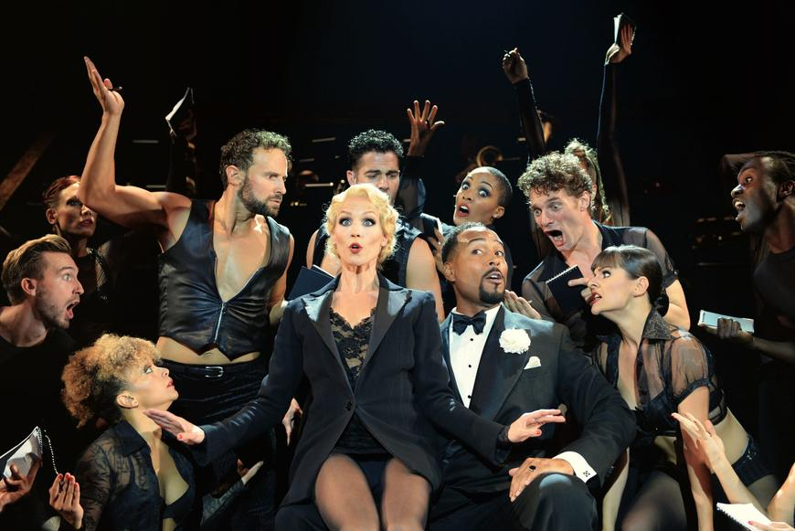 actors of Chicago musical large