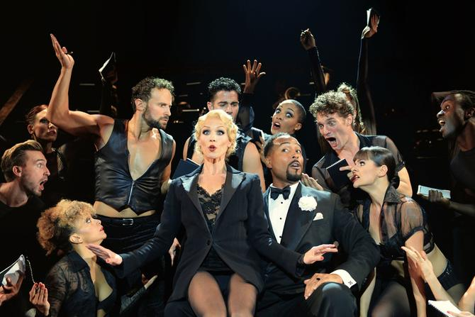 actors of Chicago musical small